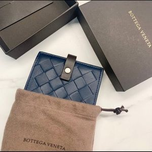 Bottega Veneta Wallet / Brand new in box